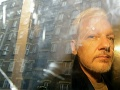 Lekári odporúčajú okamžitú hospitalizáciu Juliana Assangea, má vážne problémy