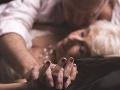 Muž (67) mal kombinovaný sex s manželkou: Nakazila ho análnym parazitom!
