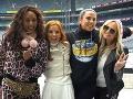 FOTO z prvého koncertu Spice Girls: Geri ako kráľovná, obchytkávanie pŕs a odkaz od Victorie!