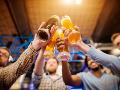 Závislosť od alkoholu sa u mladých vytvára rýchlo, upozorňuje odborník