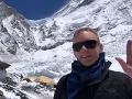 VIDEO Posledná správa horolezca z preplneného Mount Everestu: Z jeho slov naskakujú zimomriavky