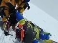Mimoriadne smutné VIDEO z Mount Everestu: Šerpovia bojujú o život horolezkyne (†54)