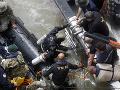 Južná Kórea je nespokojná s tempom, chce urýchliť vyzdvihnutie obetí z vraku lode: Desiata obeť