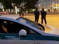 PRÁVE TERAZ Ladislav, ktorý surovo zaútočil na nepočujúceho mladíka v Bratislave, ide do väzby