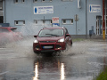 Slovensku hrozí pohroma! Búrky zasiahli prvé mestá: VIDEO Hrozí silný dážď, krúpy i povodne