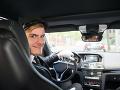 Taxikár sa vzbúril proti zákazu nosenia šortiek: FOTO Pri pohľade na neho majú zákazníci dosť