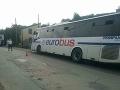 V okrese Košice-okolie havaroval autobus, došlo k zraneniu jednej osoby