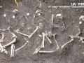Odhalili ďalšie hrôzy II. svetovej vojny: VIDEO Masový hrob, Sovieti brutálne povraždili väzňov