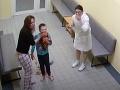 Adamko upadol po operácii mandlí do kómy: Zvrat po reportáži, ktorá odhalila desivú pravdu