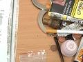 Dvoch dílerov drog chytili priamo pri čine: Úradovali v Hlohovci, hrozí im desať rokov v chládku
