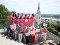Už po jedenásty raz vyšli ambasádori Pochodu za zdravé prsia do ulíc Bratislavy.