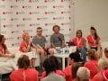 Boris Pršo na Pochode za zdravé prsia moderoval talk show s ambasádormi projektu.