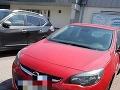 Bratislavská polícia sa zoberá prípadom, kedy vodička nechala zatvoreného psa v rozhorúčenom aute.