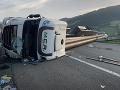 Hrozivo vyzerajúca nehoda v Rakúsku: FOTO Slovák kompletne zablokoval celú diaľnicu