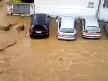 Potopa v Taliansku! Evakuovali niekoľko domov, ulicami mesta Dervio sa valí kalná rieka Varrone