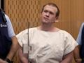 Muž obžalovaný z masakru v Christchurchi poprel všetky obvinenia: Súd cez telemost a úškrny