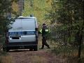 Obrovská pátracia akcia v Poľsku: Polícia stále hľadá malého chlapca, ktorého otec skočil pod vlak