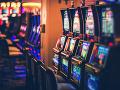Neustály boj proti hazardu: Bratislava zakáže herne v blízkosti škôl, petíciu nevylučuje