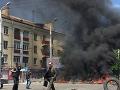 Na východe Ukrajiny sa stále bojuje: Delostrelecký útok zranil rodinu, skončili v nemocnici