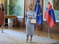 Príchod seniorov na slávnostný obed k prezidentke Zuzane Čaputovej