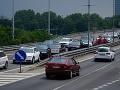Bratislavskí vodiči, pozor: Na viacerých príjazdových komunikáciách sa tvoria kolóny