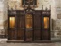 Vo viedenskom kostole začali horieť spovednice: Okamžitá reakcia turistu, uhasil ich svätenou vodou