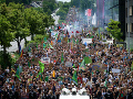 Polícia nezasiahla voči nepovolenému protestu: Nesúhlasia so snahami o vylúčenie kandidátov