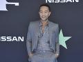 John Legend prišiel do spoločnosti bez svojej manželky Chrissy.