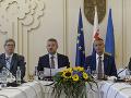 Voľba sudcov mala byť úspešne ukončená: Slovensko má podľa premiéra dôležitejšie problémy