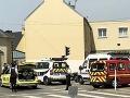 MIMORIADNE Pri streľbe pred mešitou vo Francúzsku zranili imáma, útočník sa zastrelil