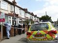 Krvavá noc v Londýne: Na smrť pobodali ženu v pokročilom tehotenstve, dieťa bojuje o život