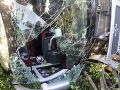 Nehoda minibusu si vyžiadala 31 mŕtvych: Zrútil sa do priekopy