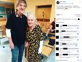 Meky Žbirka pridal fotku s fanúšičkou z nemocnice.