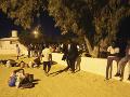 Ozbrojenci zaútočili na konvoj autobusov: Najmenej 37 ľudí prišlo o život