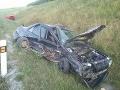 FOTO Hrozivá nehoda dvoch vozidiel, zranili sa obaja vodiči: Autá skončili v priekope