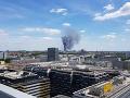 Hasiči v Berlíne v pohotovosti: Likvidujú veľký požiar v nákupnom centre