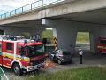VIDEO Tragédia na vjazde do Bratislavy! Vodič v plnej rýchlosti nabúral do betónového piliera