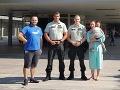 Rodičia uviazli v kolóne: FOTO Predčasný pôrod zachránili policajti, prekvapenie na Kramároch