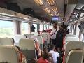 Lukášova fotografia zachytávajúca situáciu vo vlaku smerujúceho do českej metropoly.