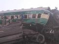 Na juhovýchode KDR sa vykoľajil vlak: Hrozivá nehoda si vyžiadala najmenej 50 mŕtvych