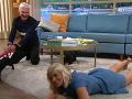 Holly Willoughby skončila na podlahe.