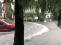 VIDEO Mohutná tropická búrka sa blížila k pobrežiu: Pred príchodom sa z nej stal hurikán