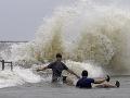 Tropická búrka Barry svoju aktivitu zmiernila: Varovanie pred vznikom povodní pretrváva
