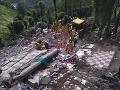 Pád budovy v Indii má svoje obete: Najmenej osem mŕtvych, poltucet nezvestných