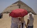Archeológom sa podarilo sprístupniť časť tzv. Lomenej pyramídy.
