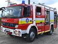 VIDEO akčného zásahu hasičov na D1: Plamene pohltili dodávku, pre hustý dym uzavreli diaľnicu