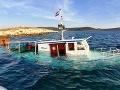 V Chorvátsku sa potopila loď, na palube bolo 18 ľudí vrátane detí, tehotnej ženy a posádky