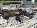 Výstavba stožiaru v júli