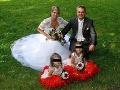 FOTO Pohľad na krásnu rodinku z Česka je minulosťou: Smrť pod kolesami vlaku, dojemné slová na parte