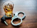 Ľudská nezodpovednosť nemá hraníc: Kamionista (28) posilnený alkoholom, polícia musela konať